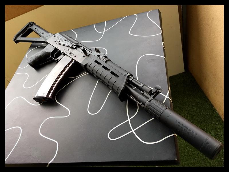 AK-Magpul-2.JPG
