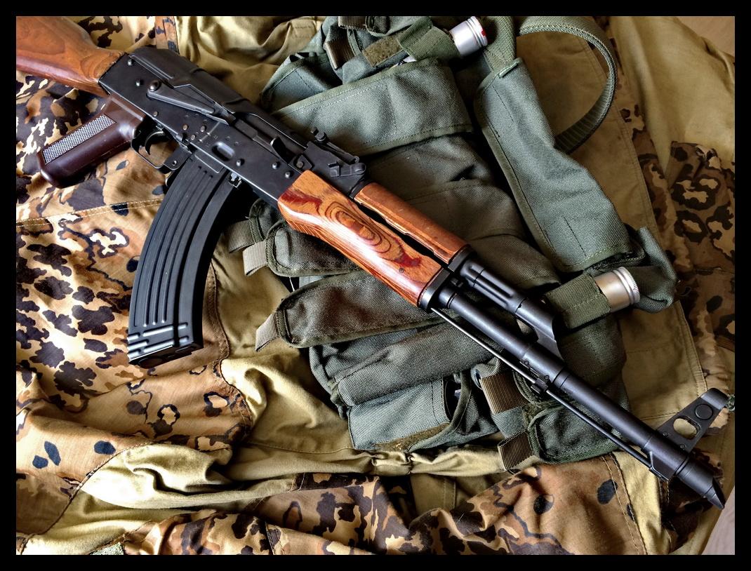 AKM-9.JPG